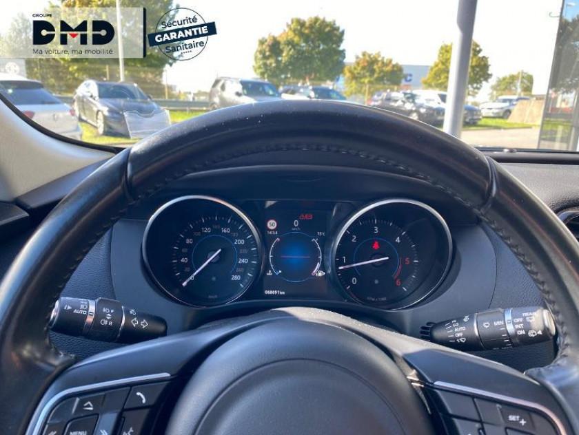 Jaguar F-pace 2.0d 180ch Prestige 4x2 - Visuel #7